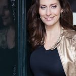 AN ITIMATE EVENING WITH PIA DOUWES