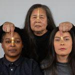 Fototentoonstelling bij voorstelling God is een Moeder door Toneelgroep Oostpool en Adelheid+Zina