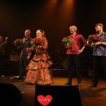 Karin Bloemen schittert met de Old School Band