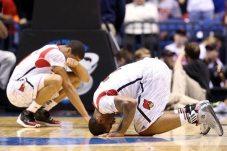 La disperazione dei compagni di squadra di Kevin Ware | © Andy Lyons/Getty Images