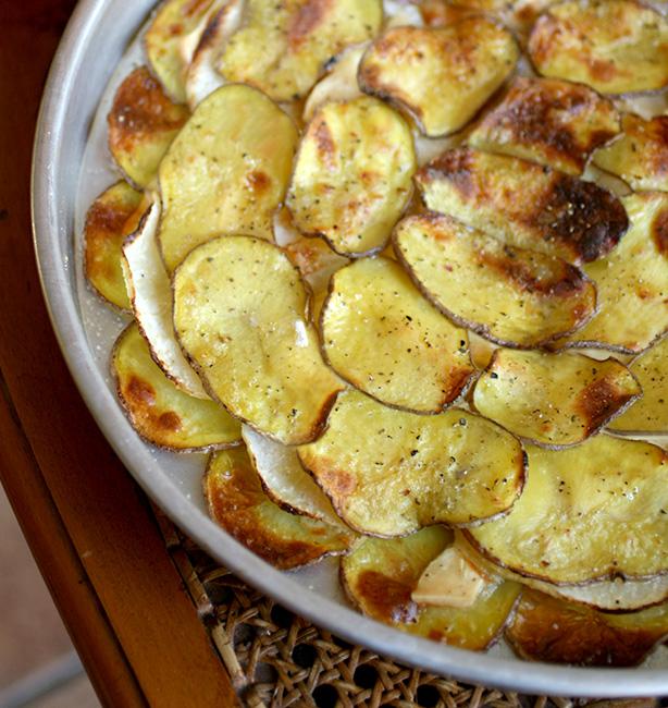 teglia di patate, rape e formaggio