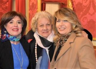 Le insegnanti A. Reda, G. Cosenza e M. Castellano