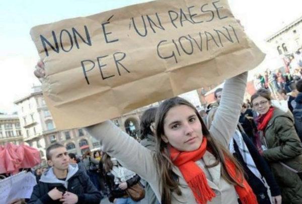 La Campania si spopola. Meno figli e gli ingegnosi emigrano.