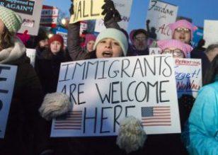 proteste contro bando anti-islam
