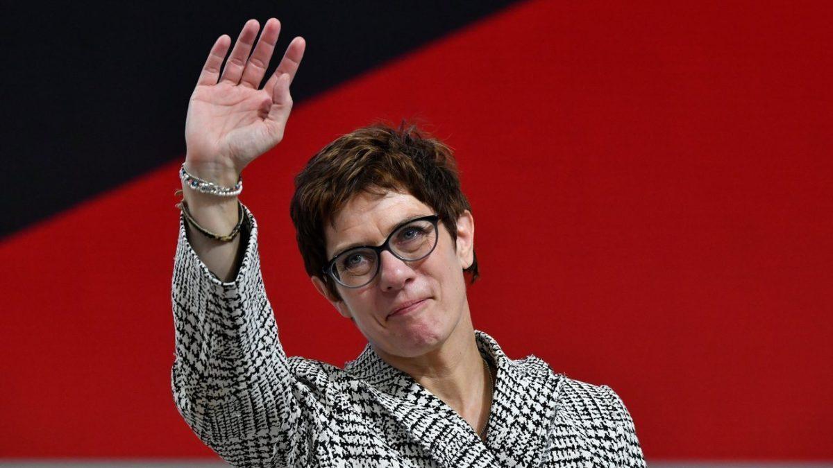 Kramp-Karrenbauer, una lady di ferro? Ecco chi è il nuovo ministro tedesco