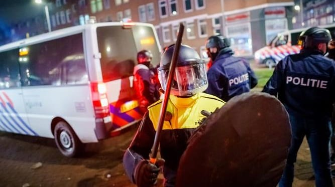 """""""Nessuna emergenza"""", via il coprifuoco in Olanda. Lo stabilisce il Tribunale internazionale dell'Aja"""