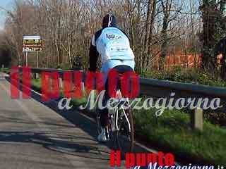 Ciclista investito a San Felice Circeo elitrasportato a Roma