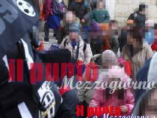Maltrattava gli alunni in una scuola elementare a Caserta, maestra agli arresti domiciliari