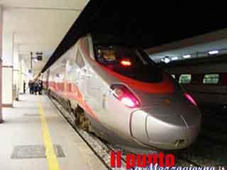Provincia di Frosinone-Treno alta velocità si rompe nelle campagne, trasbordati 400 passeggeri