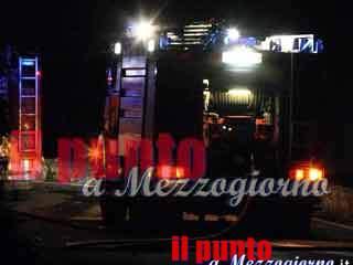 Incendio nello stabilimento Reno De Medici a Villa Santa Lucia. Quattro ore per domare le fiamme