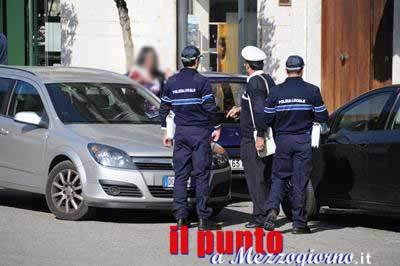 La polizia locale di Cassino torna in strada a ristabilire le regole, i cittadini plaudono all'iniziativa sui social