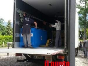 sarcofago con quadrighe sul camion per roma