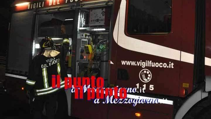 Incendio abitazione ad Alatri, Vigili del fuoco al lavoro
