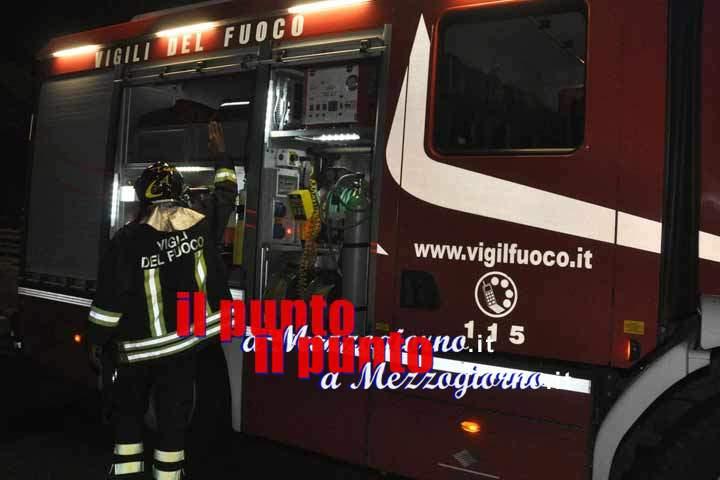 Esplosione in pizzeria ad Atina, le fiamme dopo la detonazione