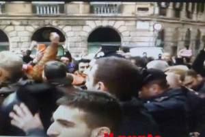 carabinieri e polizia senza casco 2