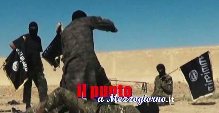 """Terrorismo, inneggiava alla Jihad e si """"interessava"""" a giubbotti esplosivi: espulso nordafricano"""
