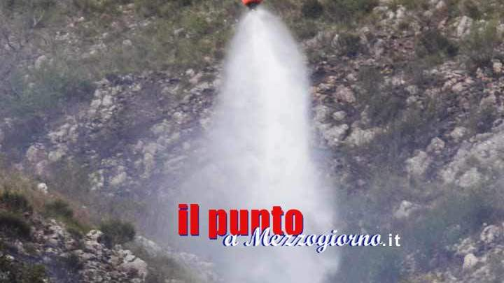 Black out alla cartiera di Cassino per il cavo dell'alta tensione abbattuto da elicottero antincendio
