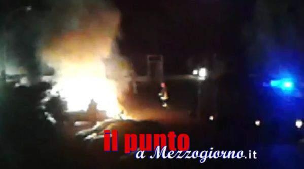 Incendio di auto doloso a Frosinone, indagano i carabinieri