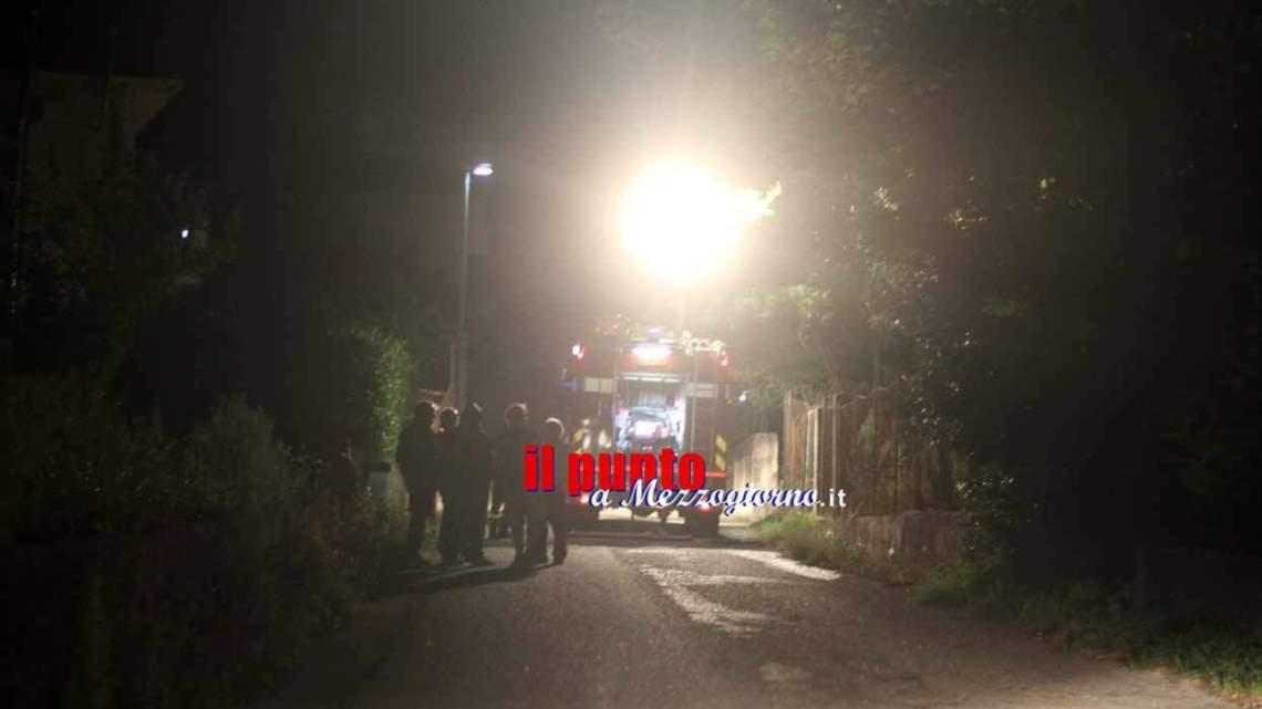 Casa in fiamme ad Arce, il rogo divampa e distrugge il seminterrato