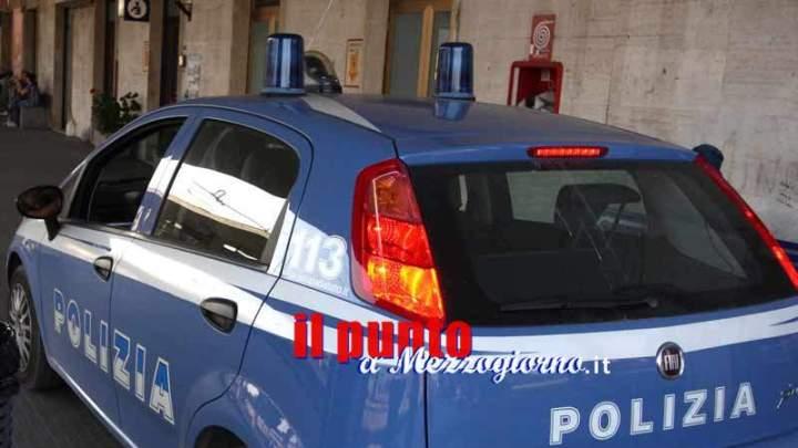 Cassino – Colto da malore in stazione, lo salvano i poliziotti con il massaggio cardiaco e la respirazione bocca a bocca