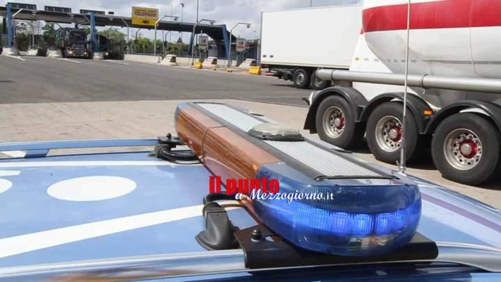 Refurtiva sull'A1 a Cassino, trovate 60 batterie per impianti di sicurezza: tre denunciati