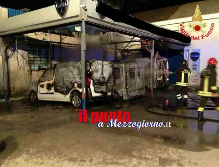 furgoni bruciati