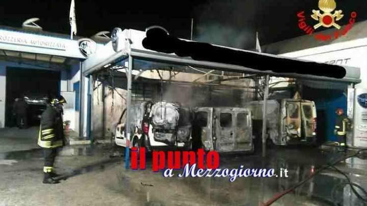 Furgoni in fiamme a San Felice Circeo, incendio sospetto in una rivendita di auto