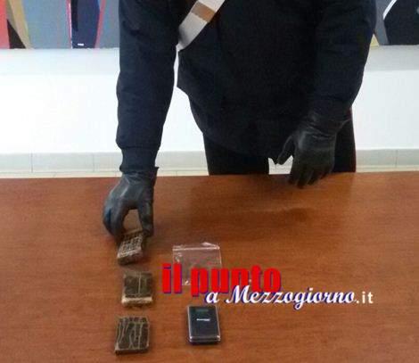 Droga e proiettili in casa, arrestata 37enne di Aprilia