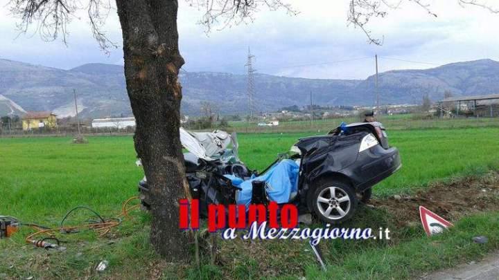 Si schiantano contro un albero, due morti ad Anagni