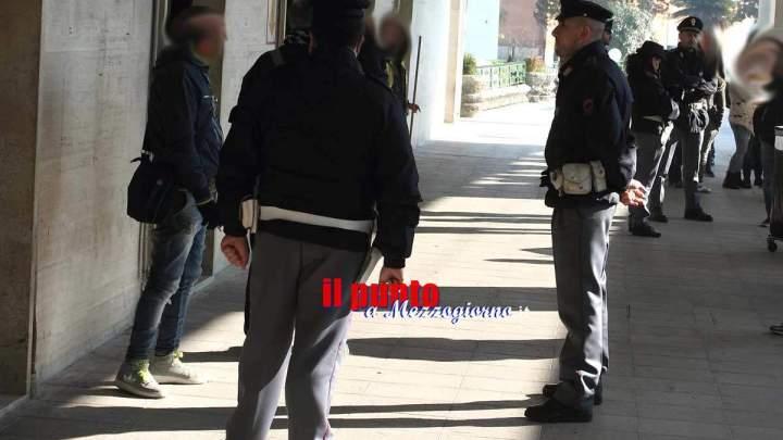 Palpeggia donne sul treno, arrestato 46enne di Cassino