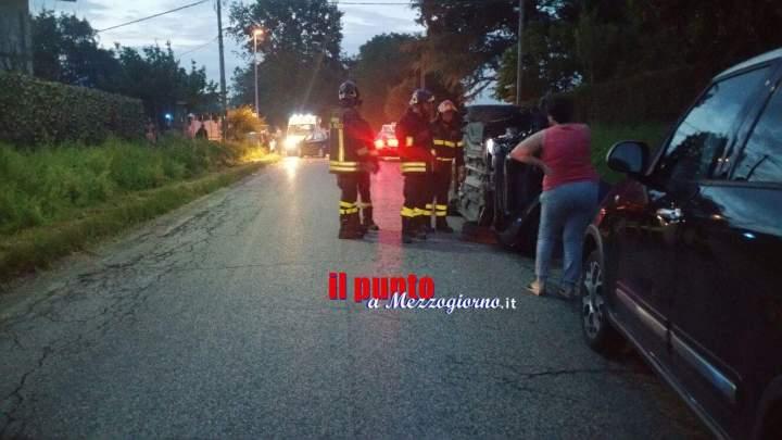 Incidente stradale a Sant'Angelo, tre giovanissimi feriti