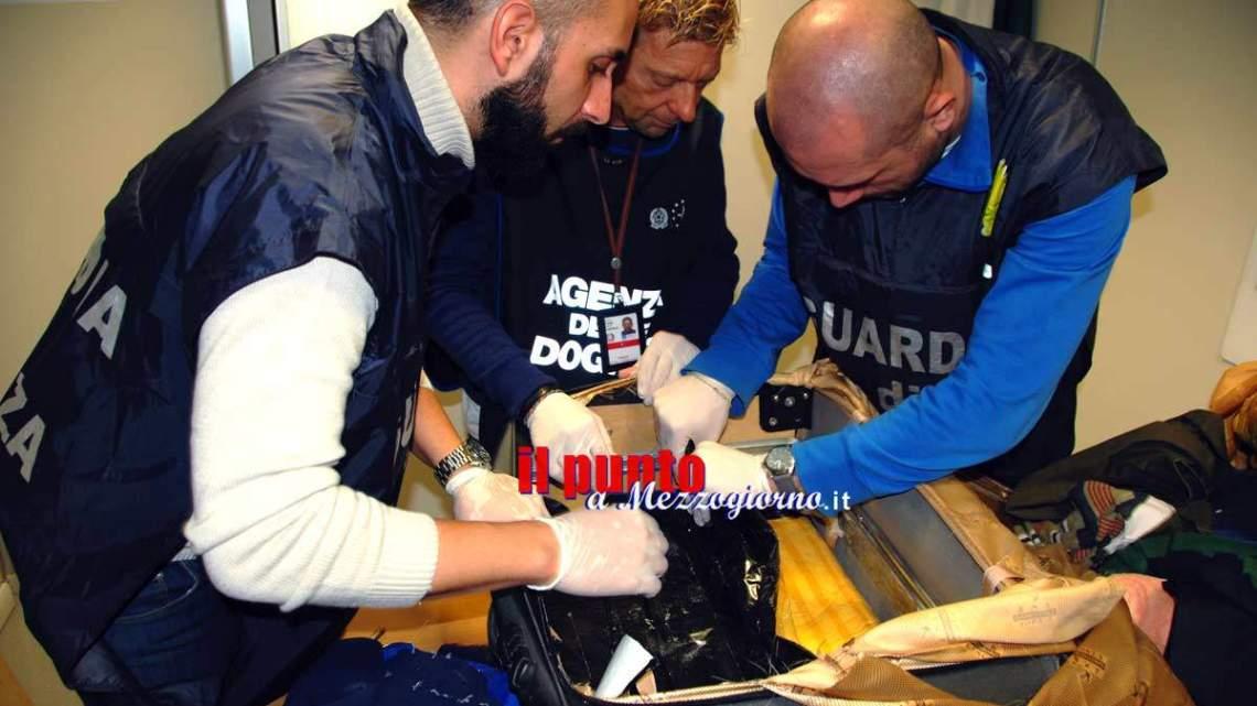 Aeroporto di Fiumicino – Arrestati 7 narcotrafficanti, sequestrati oltre 16 chili di cocaina