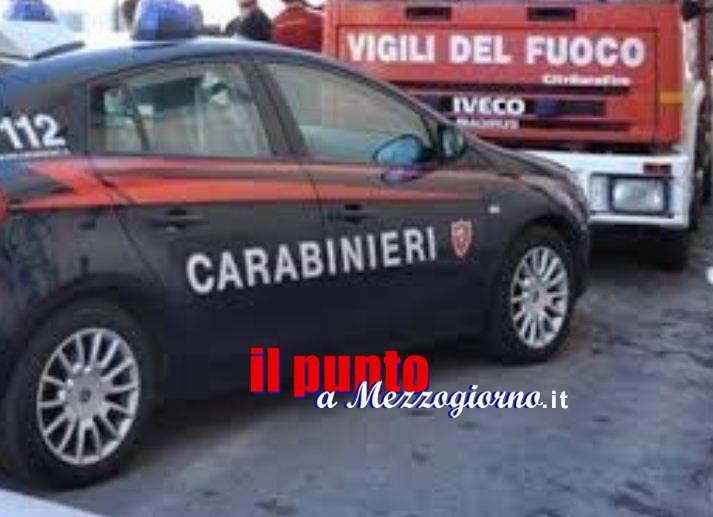 Fiamme nella camera da letto ad Anagni, due carabinieri evacuano 24 appartamenti