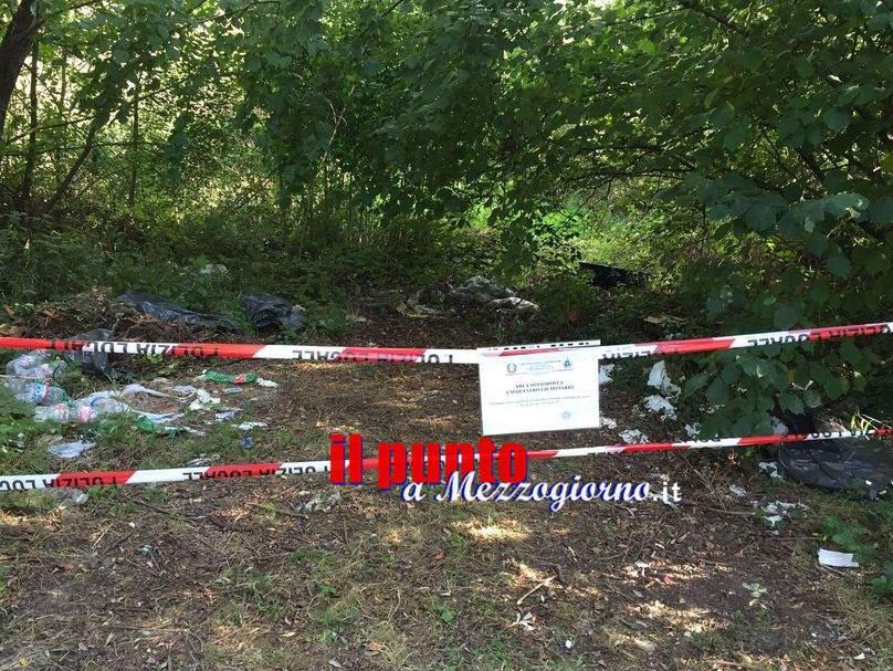 """Sequestrata discarica con secchi di vernice a Sant'Elia. Si cercano collegamenti con """"l'acqua rossa"""""""