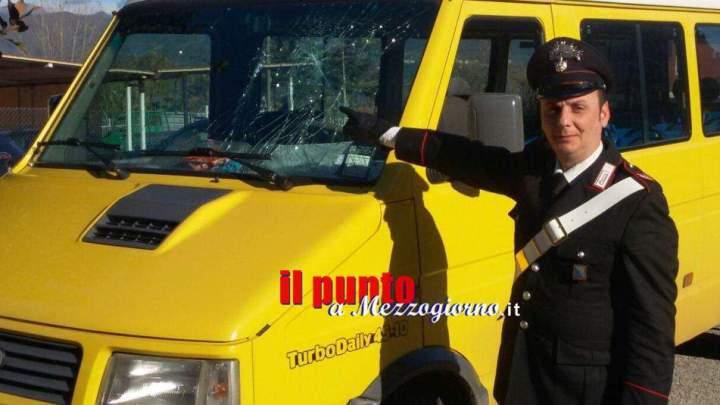 Denunciato l'uomo che ha preso a bastonate lo scuolabus di Cassino