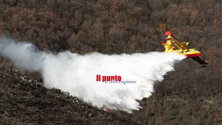 Due incendi in provincia di Frosinone, al lavoro anche canadair