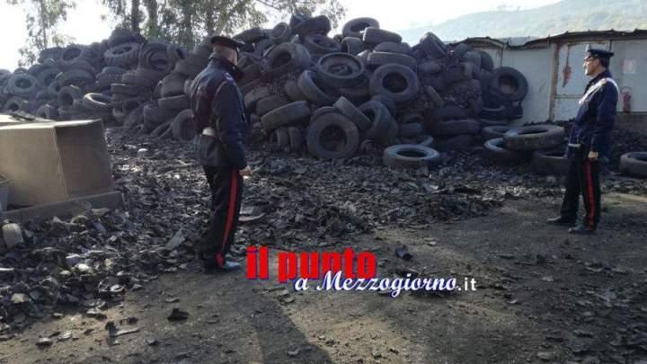 Una montagna di pneumatici a Santi Cosma e Damiano, sequestrata area