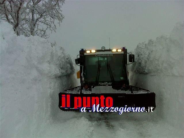 Intrappolati nel muro di neve, 20 automobilisti salvati a Capracotta