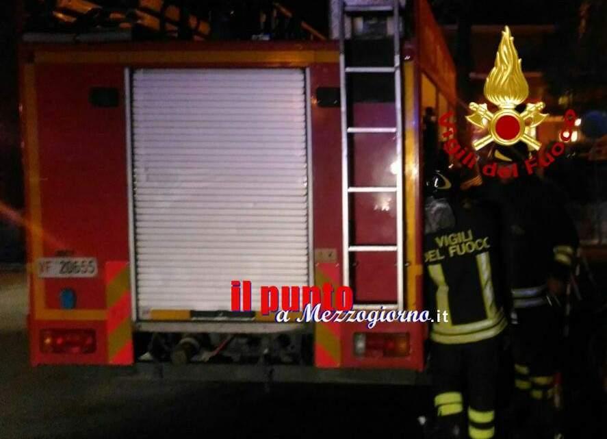 Madre e figlio intrappolati in palazzina in fiamme ad Alatri, salvati da vigili del fuoco