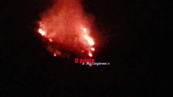 Castrocielo: Brucia la montagna vicino a Capo D'Acqua