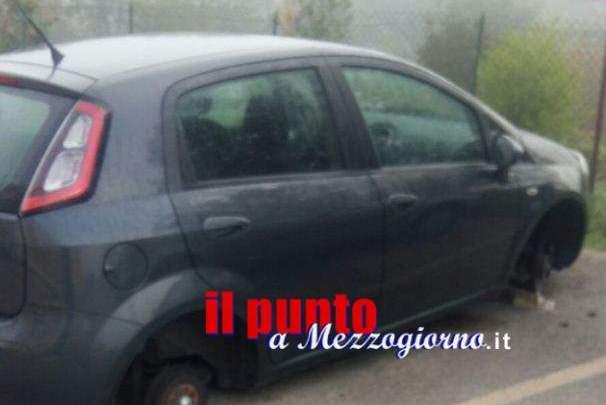 """Auto lasciate """"a terra"""" a Pontecorvo, furto di gomme a quattro vetture"""