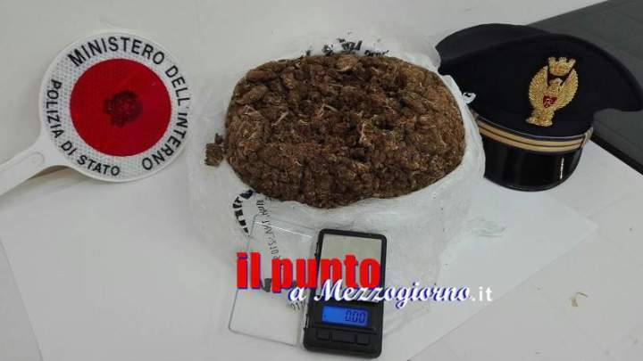 Sorpreso con 1,1 chilo di marijuana nello zaino, arrestato 30enne straniero