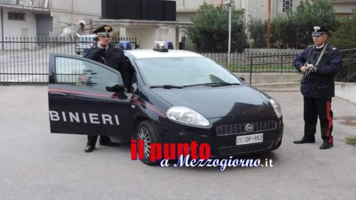 Il dipendente si distrae e cliente ruba 300 euro dalla cassa, arrestato 45enne