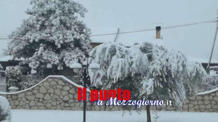Grande freddo: Paesaggi imbiancati, la neve non smentisce le previsioni (foto gallery)