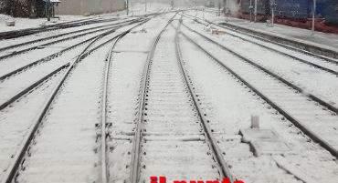 Grande freddo, Fs: treni ridotti del 50 per cento per far fronte ad emergenza