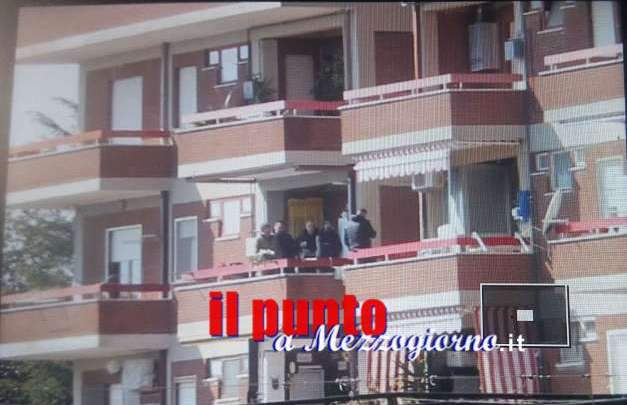 Cisterna di Latina: (foto esclusiva)Uomini specializzati mediano con Capasso, da stamattina barricato in casa