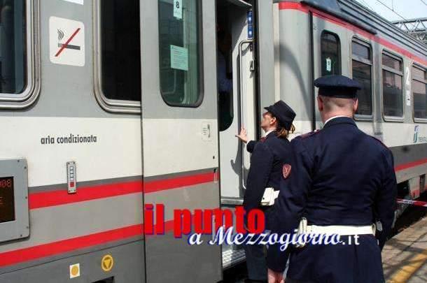 Narcotizzavano e derubavano i passeggeri dei treni regionali sulla tratta Roma-Napoli. Sgominata dalla polizia la banda