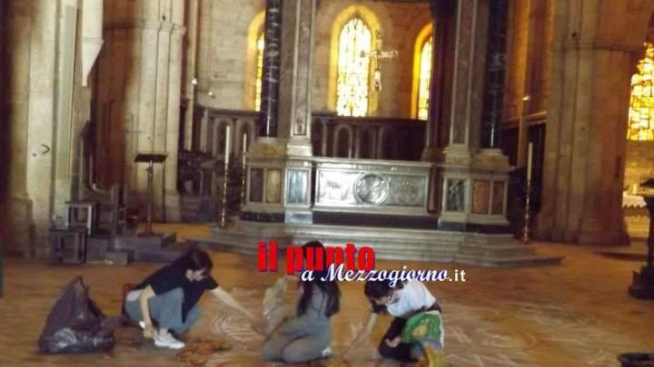 Cento metri di tappeto di fiori nell'abbazia di Casamari per il Corpus Domini