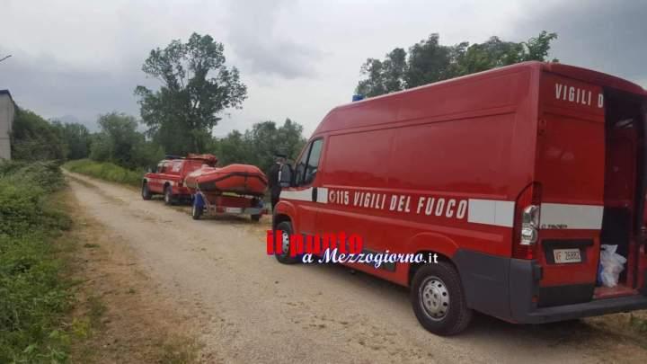 Si tuffa nel lago Albano e scompare, soccorritori in cerca di un 33enne