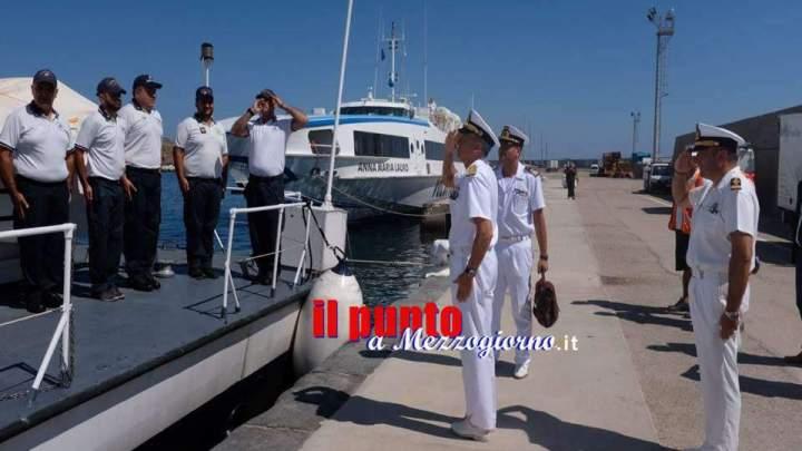 L'Ammiraglio Ispettore Capo Giovanni Pettorino visita gli uffici del Compartimento marittimo di Gaeta